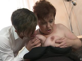 Mature spreads for young man to fuck her ruthless
